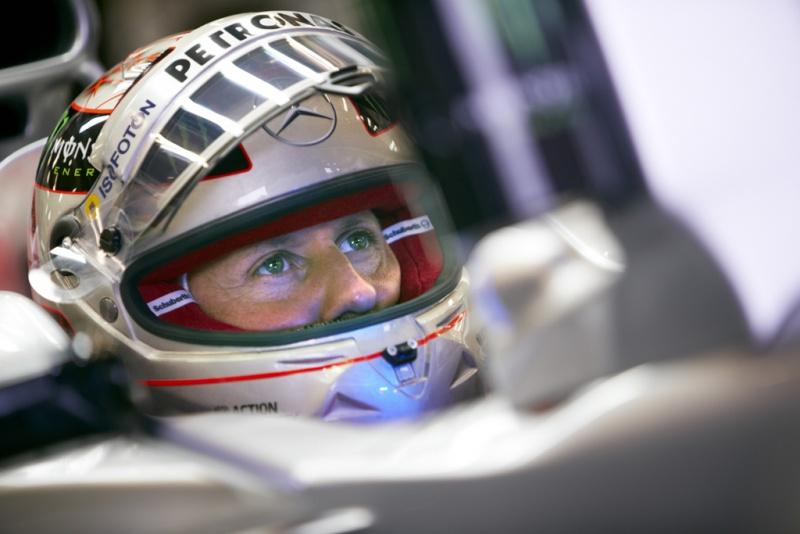 Schumacher completará seu 300º GP amanhã