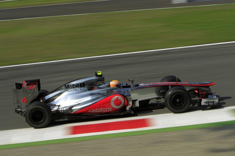 Hamilton foi pole e venceu em Monza