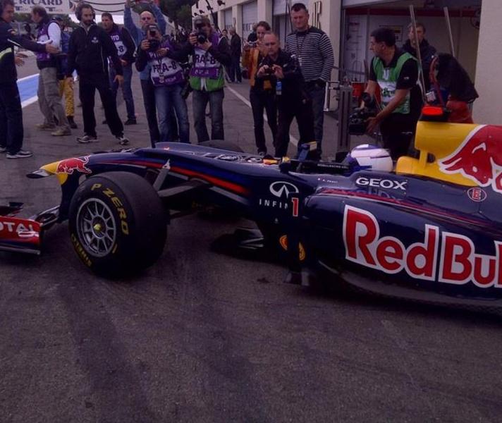 Prost testando a Red Bull em Paul Ricard