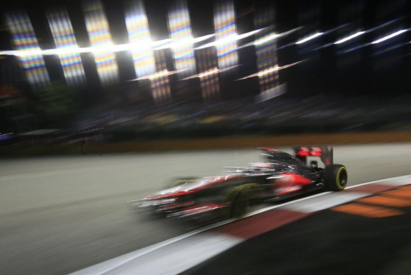 Jenson perderá 5 posições no grid do Japão