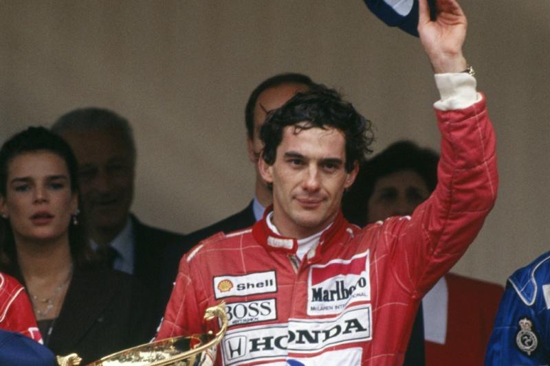 Ayrton Senna comemora vitória em Mônaco