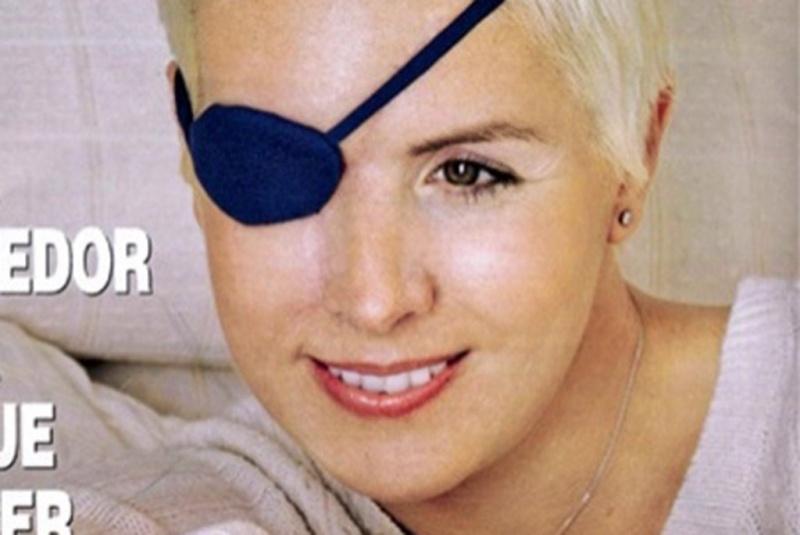 Capa da revista espanhola Hola com Maria de Villota