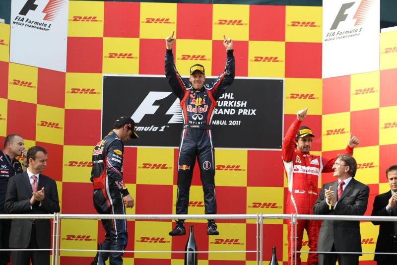 Vettel correu praticamente sozinho neste domingo