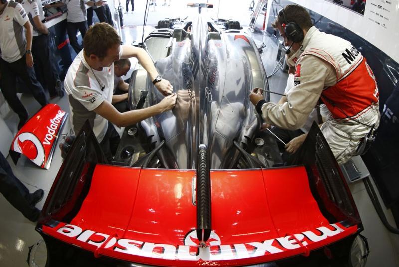 Ambos pilotos da McLaren já atingiram marca de oito
