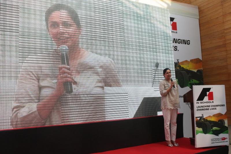 Monisha dá palestra em Nova Déli