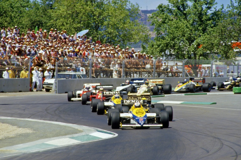 Largada do primeiro GP da Austrália, disputado em Adelaide no ano de 1985