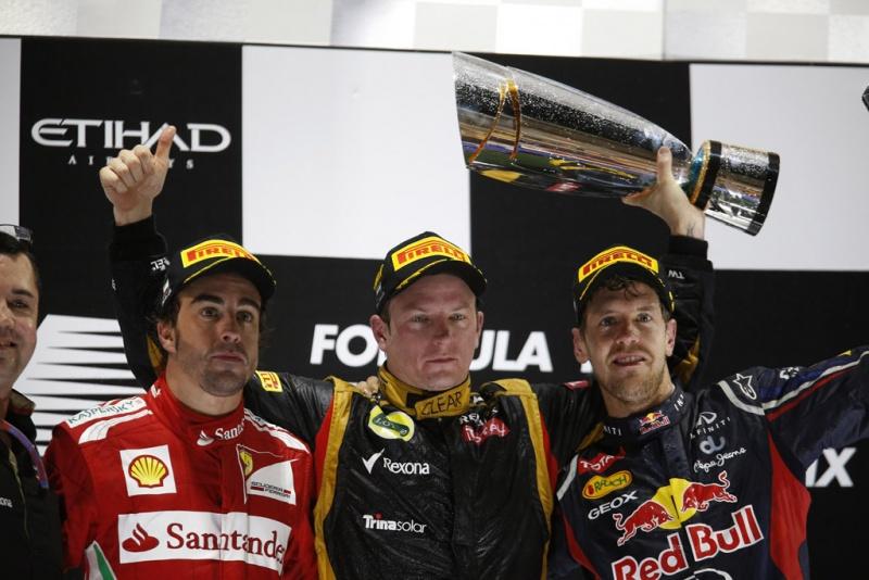 Kimi entre Alonso e Vettel no pódio de Abu Dhabi