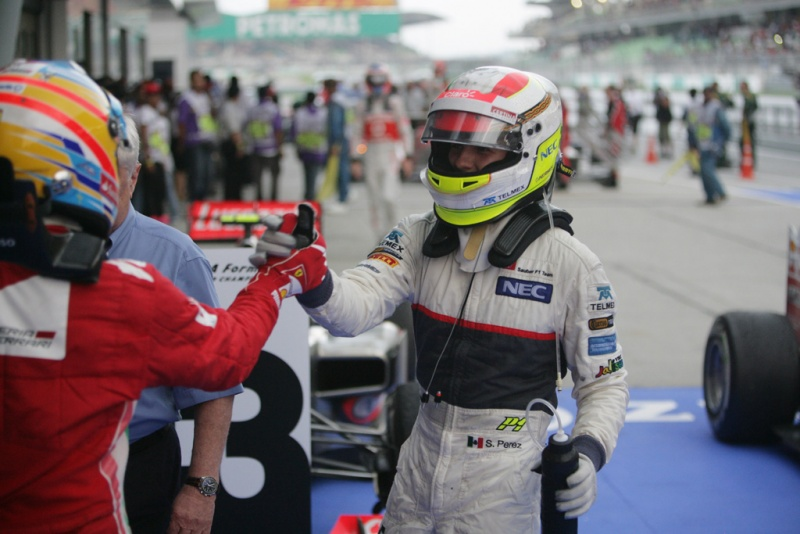 Pérez e Alonso subiram ao pódio na Malásia
