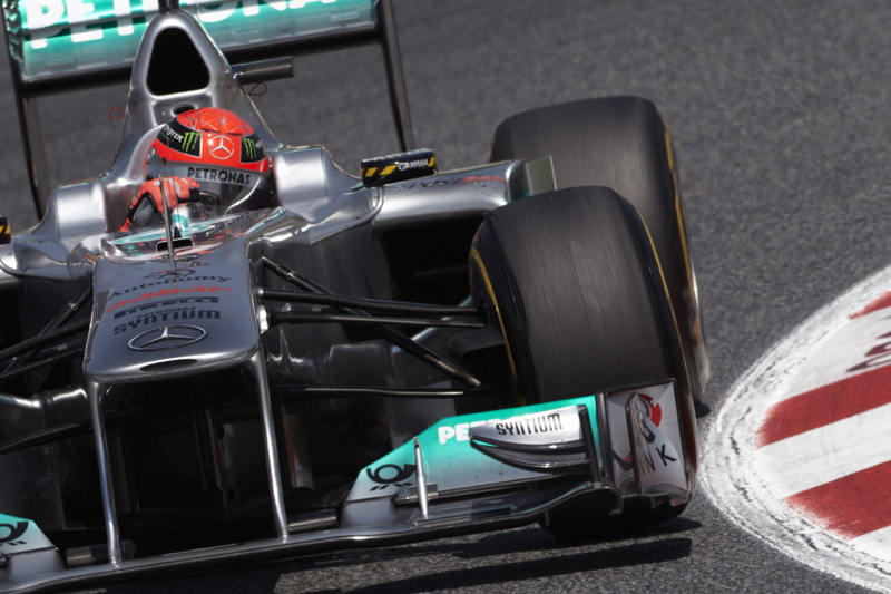 Schumacher: desta vez, à frente de Rosberg