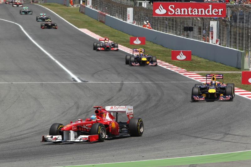 Fernando Alonso liderou as voltas iniciais do GP da Espanha