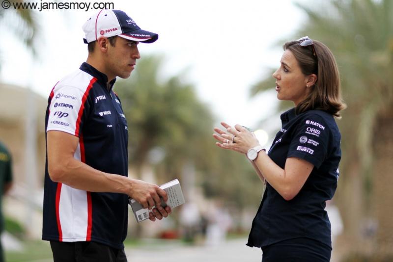 Maldonado conversa com a nova chefe da Williams