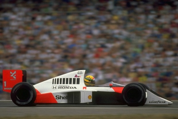 Senna guia sua McLaren-Honda na Alemanha em 1989