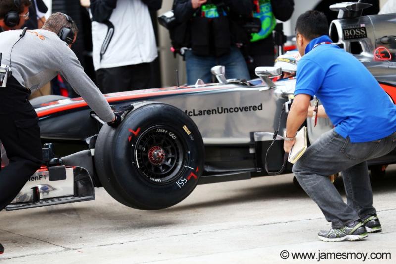 Button utiliza pneu protótipo da Pirelli em Montreal