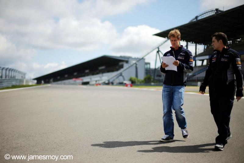Vettel anda em Nürburgring