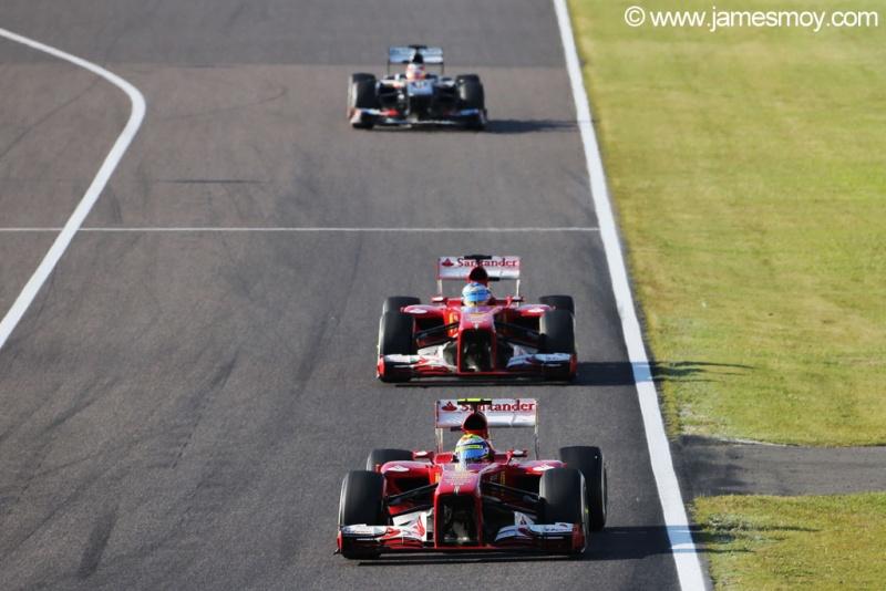 Massa ficou na frente de Alonso no começo
