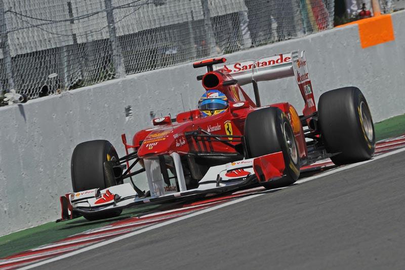 Fernando Alonso triscou o muro e fez a melhor volta do dia