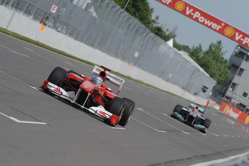 Alonso: piloto da Ferrari vê o time progredindo