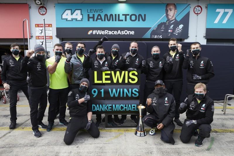 Lewis Hamilton Michael Schumacher Mercedes Mercedes F1 ~Lewis Hamilton (Mercedes) und Michael Schumacher ~