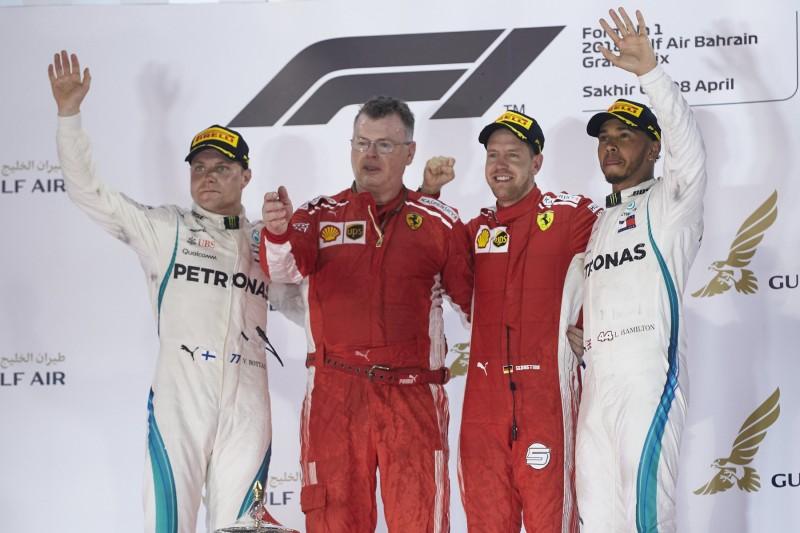 Valtteri Bottas Sebastian Vettel Lewis Hamilton Ferrari Scuderia Ferrari F1Mercedes Mercedes AMG Petronas Motorsport F1 ~Valtteri Bottas (Mercedes), Sebastian Vettel (Ferrari) und Lewis Hamilton (Mercedes) ~