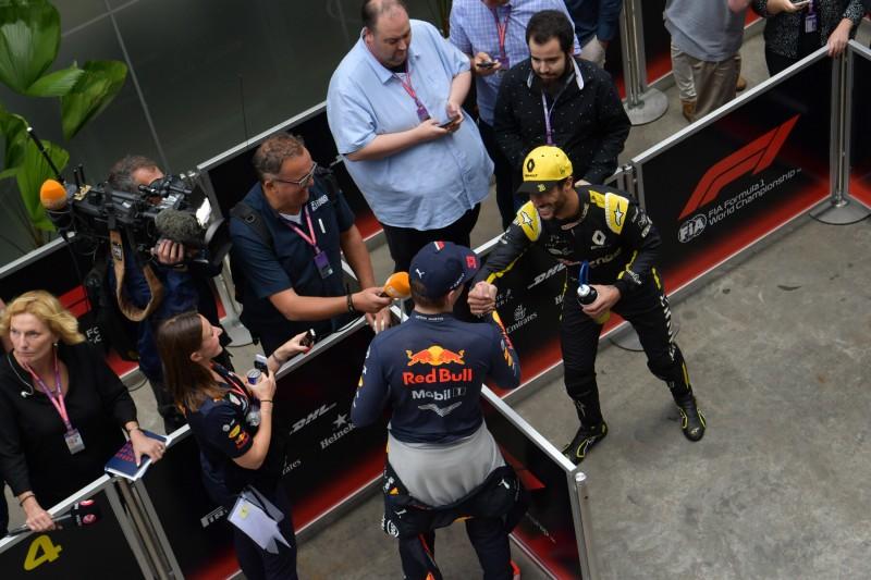 Daniel Ricciardo Max Verstappen Renault Renault F1 Team F1Red Bull Aston Martin Red Bull Racing F1 ~Daniel Ricciardo (Renault) und Max Verstappen (Red Bull) ~