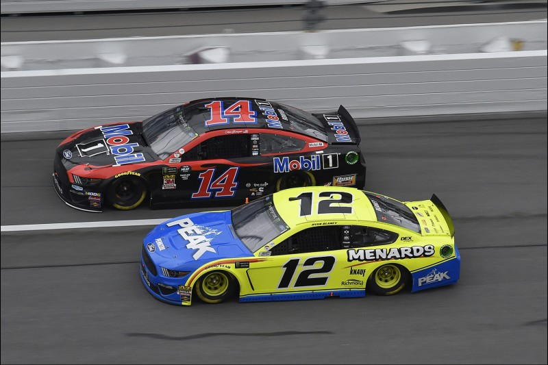 Clint Bowyer, Ryan Blaney