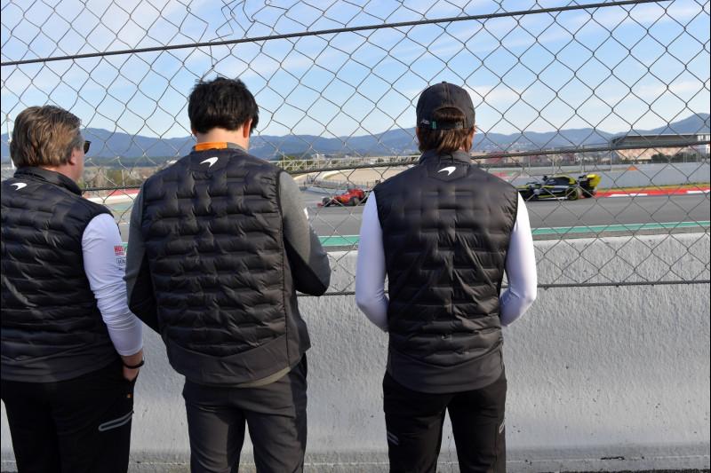 Zak Brown, Carlos Sainz, Fernando Alonso