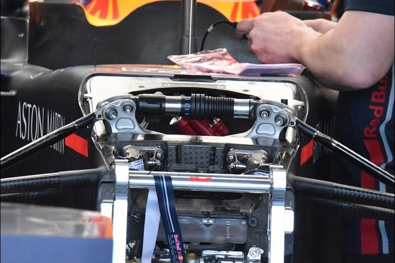 Red Bull RB15, Dämpfer