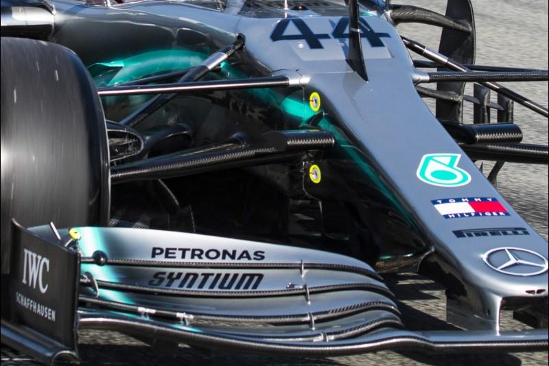 Mercedes, Frontflügel