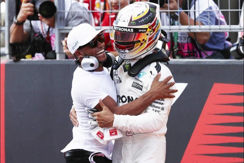 Lewis Hamilton, Nicolas Hamilton