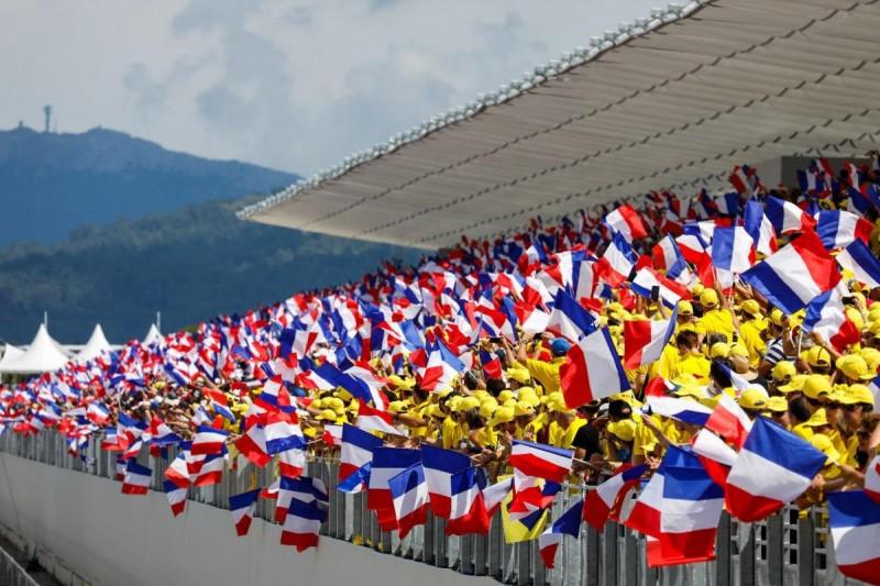 Fans auf der Haupttribüne beim GP Frankreich 2018 in Le Castellet