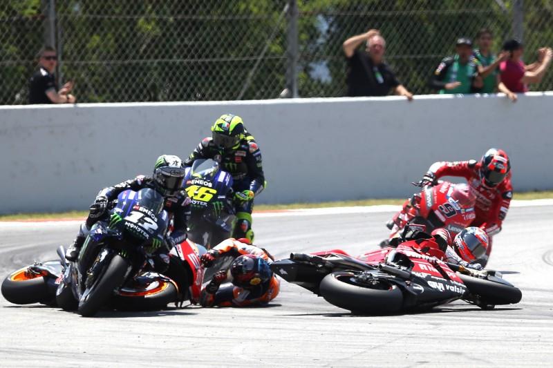 Crash: Jorge Lorenzo, Andrea Dovizioso, Maverick Vinales, Valentino Rossi