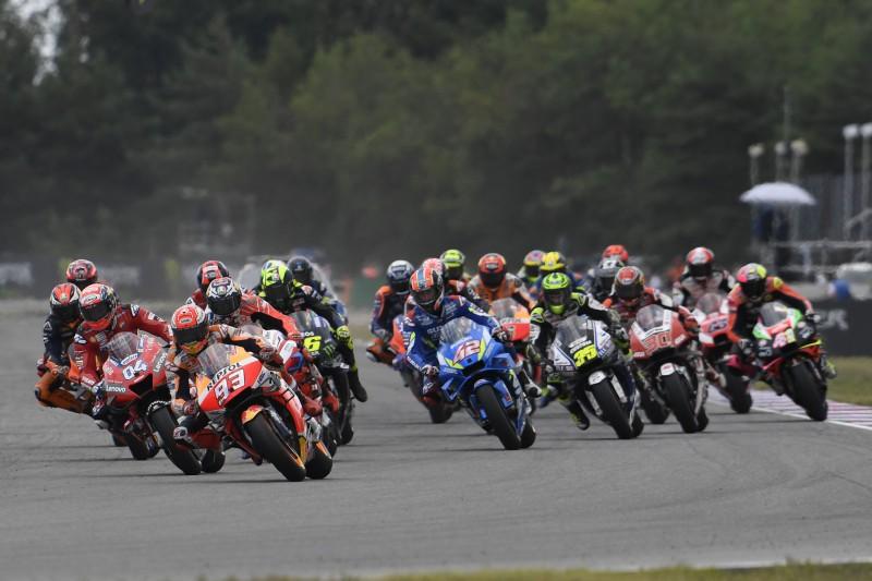 Start zum GP Tschechien 2019 in Brno: Marc Marquez führt