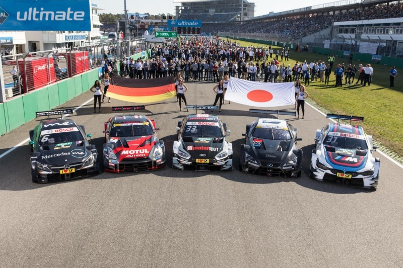 Robert Wickens, Rene Rast, Tom Blomqvist, Gerhard Berger, Super GT, Nissan, Toyota, Flagge