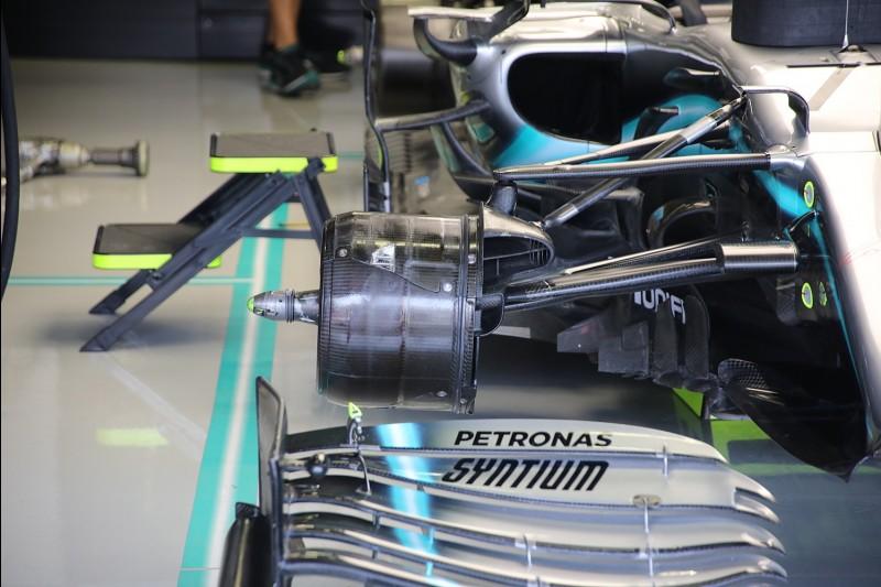 Mercedes W10, Bremse