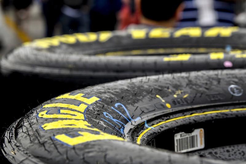 Goodyear-Reifen im Regen
