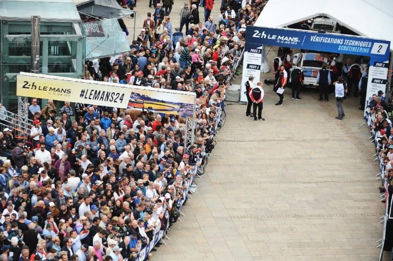 24h Le Mans, Technische Abnahme, Scrutineering, Zuschauer, Fans