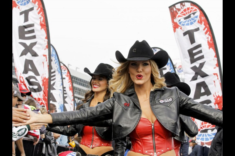 Girls am Texas Motor Speedway