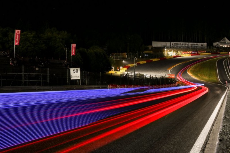 Eau Rouge in Spa-Francorchamps bei Nacht