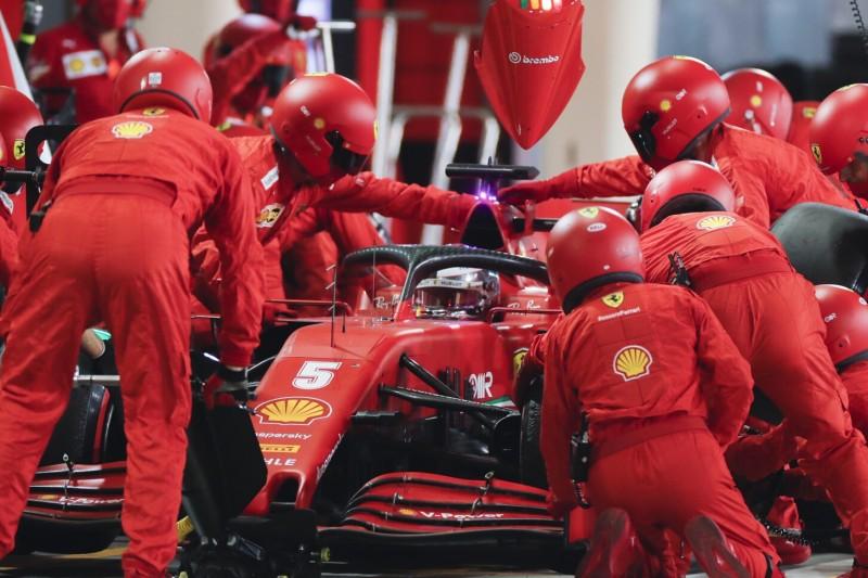 Sebastian Vettel, Boxenstopp mit Mechanikern