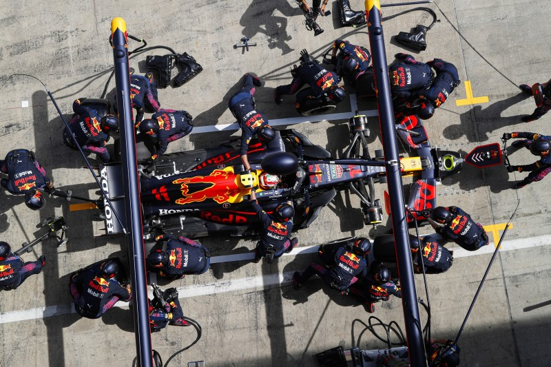 Boxenstopp von Sergio Perez bei Red Bull im Steiermark-Grand-Prix 2021 in Spielberg