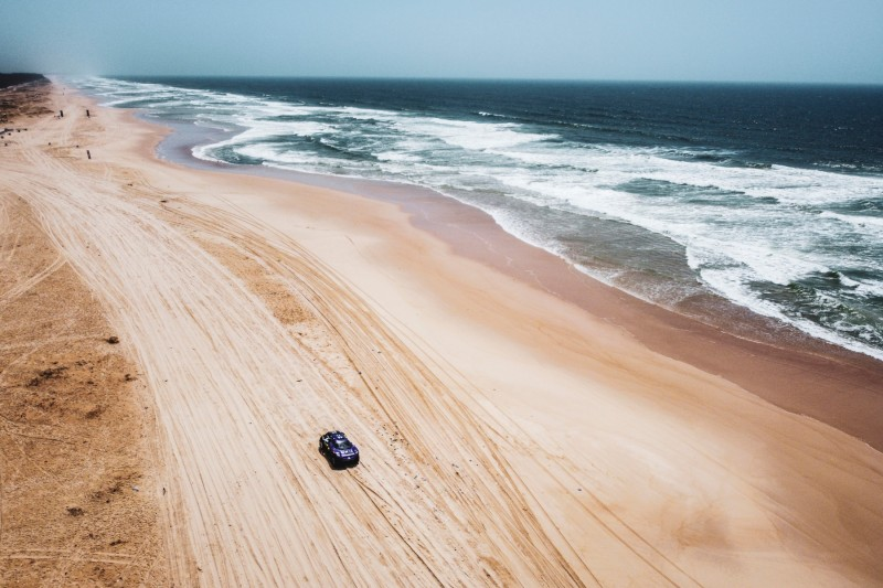 Extreme E am Strand von Lac Rose im Senegal