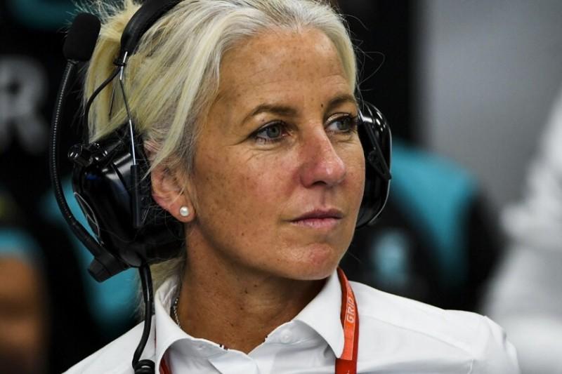 Angela Cullen, die Physiotherapeutin von Formel-1-Fahrer Lewis Hamilton in der Mercedes-Box