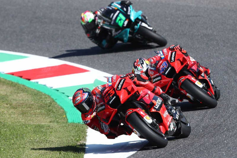 Francesco Bagnaia, Jack Miller (beide Ducati) auf der Rennstrecke