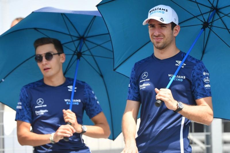 George Russell mit Williams-Teamkollege Nicholas Latifi beim Grand Prix von Ungarn der Formel 1 2021 in Budapest