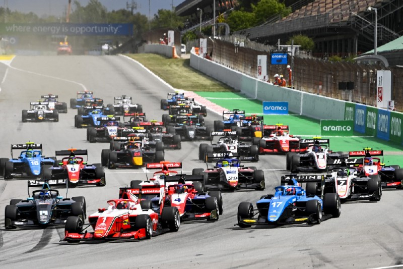 Start der Formel 3 in Barcelona 2021