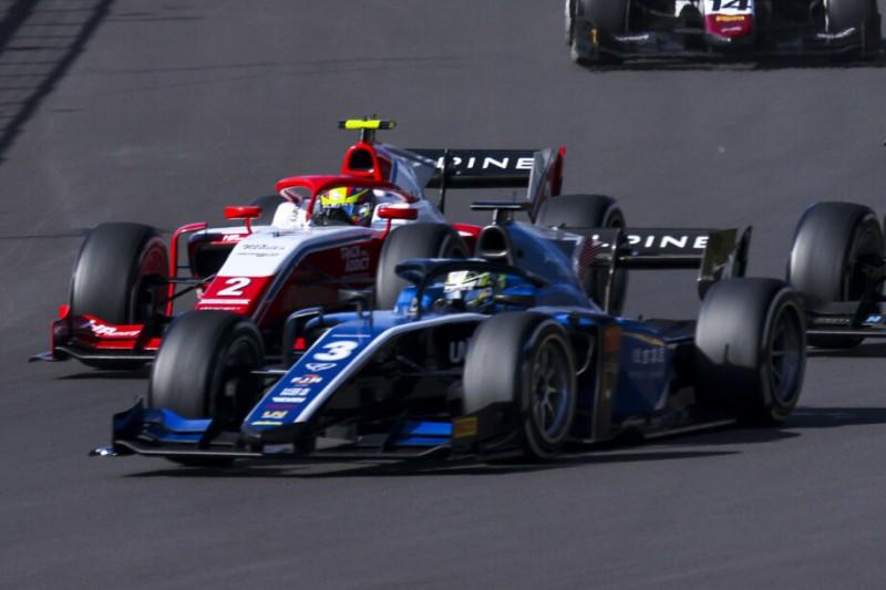 Guanyu Zhou beim Rennen der Formel 2 in Silverstone 2021