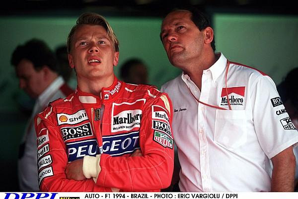 AUTO - F1 1994 - BRAZIL - INTERLAGOS - PHOTO : ERIC VARGIOLU / DPPI MIKA HAKKINEN (FIN) / MCLAREN PEUGEOT - AMBIANCE WITH RON DENNIS PORTRAIT