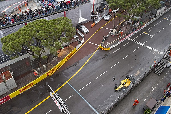 30 PALMER Jolyon (gbr) Renault RS16 action, crash, accident during the 2016 Formula One World Championship, Grand Prix of Monaco from on May 25 to 29 ,in Monaco - Photo Frederic Le Floc'h / DPPI