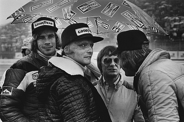 F1 ARCHIVE - LAUDA and HUNT rivalry 1976