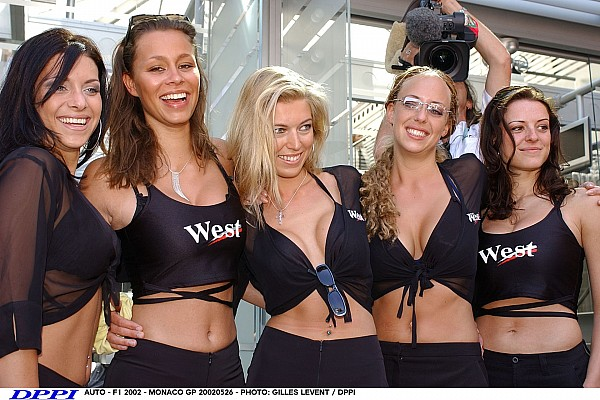 AUTO - F1 2002 - MONACO GP 20020526 - PHOTO: GILLES LEVENT / DPPI GIRL GIRLS AMBIANCE